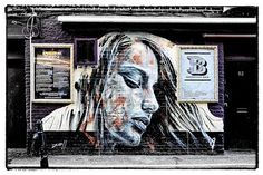 The Art of David Walker ... perfect freehand spraying of portraits!