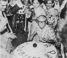 Chico Brício, um dos fundadores do cordão, em comemoração aos 50 anos do Bola Preta.