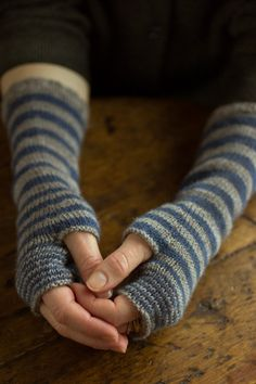 Churchmouse Yarns & Teas - Accelerating Stripes Fingerless Gloves Project: Regia 4-ply Version