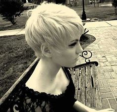 Pretty-Blonde-Pixie-Hairstyle.jpg 450×431 pixels