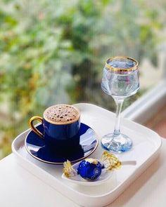 Coffee Cafe, Coffee Drinks, Coffee Shop, Good Morning Coffee, Coffee Break, Tea Table Settings, Coffee Is Life, I Love Coffee, Spiced Coffee
