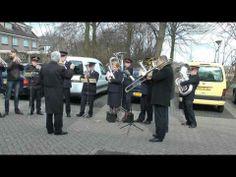 ▶ Leger des Heils muziekkorps Almelo speelt bij Zr Heijenga - YouTube