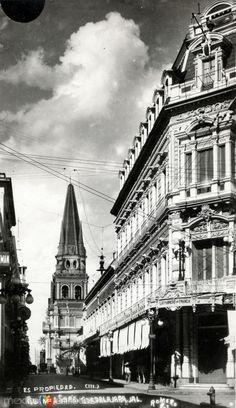 Avenida 16 de Septiembre y Catedral de Guadalajara