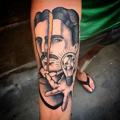 Nikola Tesla by Oscar moon (@ oscarmoontattoos) #thebestspaintattooartists #traditional_tattoo_spain #support_tattoo_artist #tattoodo #tattooworkers #traditionaltattoo #inkers #btattooing #tatsoul #thespaintattoobible #skinartmag #barcelonatattoo #bcn #barcelona #tigertattoo #skinart_traditional #bhorn #nikolateslatattoo #ninemag #txttoo