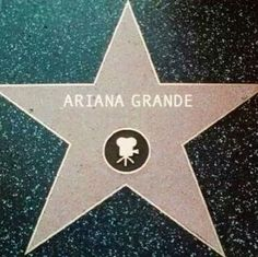 Walk of fame Ariana's star Hollywood