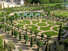 Jardin de l'Orangerie du parc du chateau de Versailles. It rained the day we visited, didn't get to see this. Next Time for sure.