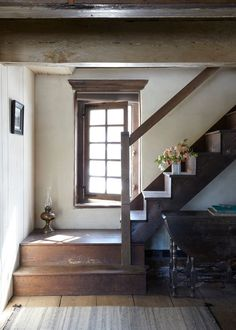 65 Ideas old farmhouse stairs stone walls for 2019 Farmhouse Stairs, Cottage Staircase, Rustic Staircase, Farmhouse Decor, Farmhouse Renovation, Farmhouse Windows, Country Farmhouse, Interior And Exterior, Interior Design