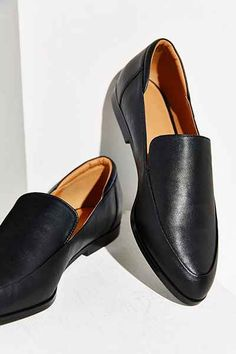 3 Comfy Shoes Everyone Should Get This Spring — Bloglovin —the Edit Black  Leather 05e3706c8004
