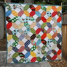 criss cross baby quilt - I need to learn to quilt so I can make things like this.