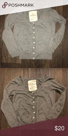 Hollister cardigan size medium Worn a couple times in good shape don't wear it anymore Hollister Sweaters Cardigans