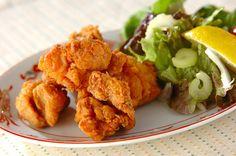 運動会や行楽の「お弁当」、手間をかけずにレベルアップするコツ&レシピとは? | キナリノ Lunch Box, Meat, Chicken, Ethnic Recipes, Food, Bento Box, Meals, Yemek, Buffalo Chicken