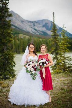 Burgundy Wedding Flowers, Cheap Wedding Flowers, Budget Bride, Bridesmaid Dresses, Wedding Dresses, Bride Bouquets, Flower Ideas, Champagne, Wine
