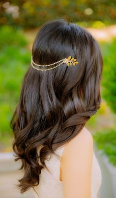 Elegant hair inspired by L'Oreal Advanced Hairstyle