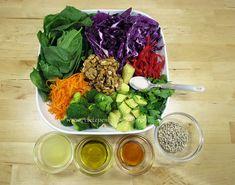 Ingrediente reteta salata dietetica Cold Vegetable Salads, Cobb Salad, Cabbage, Dinner, Vegetables, Ethnic Recipes, Food, Gardening, Diet