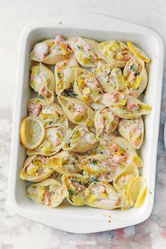 Pasta Shells with Lemon Mussels, Leek & Mascarpone Cream Seafood Recipes, Pasta Recipes, Vegan Recipes, Dinner Recipes, Cooking Recipes, Good Food, Yummy Food, Stuffed Pasta Shells, Fabulous Foods
