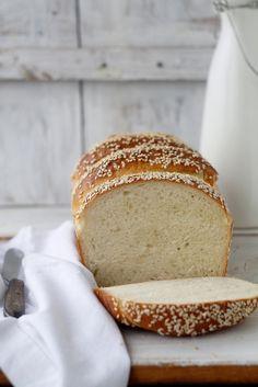 Manuka Honey, Fresh Bread, World Recipes, How To Make Bread, Bread Crumbs, Food Styling, Bread Recipes, Baked Goods, Cinnamon