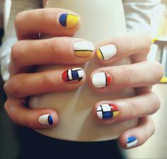 Mondrian nails pattern #nails #mondrian