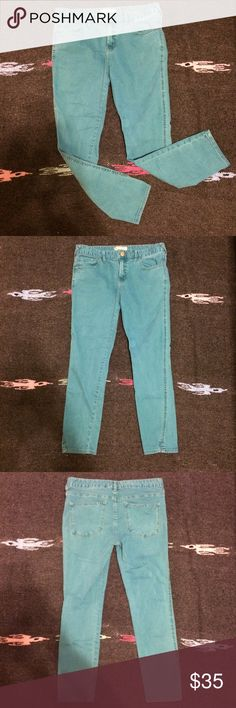 Free People Teal/Blue Skinny Jeans - 30 Free People tealish blue skinny jeans in an ankle length. Size 30. Great condition and super comfortable. Just the right amount of stretch. Free People Jeans Skinny