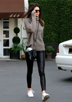 Model Off Duty Style: Steal Kendall Jenner's Casual L .- Model Off Duty Style: Steal Kendall Jenner's Casual Look (Le Fashion) Model Off Duty Style: Steal Kendall Jenner's Casual Look Winter Fashion Outfits, Fall Winter Outfits, Look Fashion, Fashion Models, Autumn Fashion, Trendy Fashion, Models Style, Model Street Style, Winter Clothes