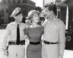 Don Knotts, Barbara Eden and Andy Griffith during production of the manicurist episode of The Andy Griffith Show Barbara Eden, Golden Age Of Hollywood, Classic Hollywood, Old Hollywood, Hollywood Pictures, Hollywood Stars, Sidney Sheldon, I Dream Of Jeannie, Barney Fife