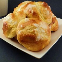 Suizos  Ingredientes: 90g leche- 40g azúcar- 60g mantequilla t/a- 20g levadura fresca de panadero- 2 huevos- 300g harina de fuerza- 5g sal.