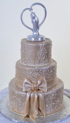 Pastry Palace Las Vegas - Wedding Cake #1098 – Ivory Gown