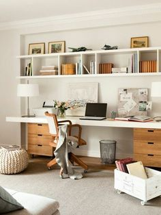 55 Incredible DIY Office Desk Design Ideas and Decor - Office Desk - Ideas of Office Desk - Office inspiration with shelves above desk and built in desk area. Mesa Home Office, Diy Office Desk, Office Shelf, Guest Room Office, Home Office Space, Office Ideas, Office Decor, Office Designs, Bedroom Office Combo