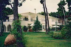 Διώροφη κατοικία στην Εκάλη | vasdekis Mansions, House Styles, Home Decor, Mansion Houses, Homemade Home Decor, Villas, Fancy Houses, Interior Design, Home Interiors