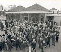 buorren 1975 opening wiardaschool Historisch Centrum Leeuwarden - Beeldbank Leeuwarden