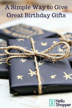 Gift Wrapping Ideas : beautiful matte black wrapping paper decorated with a gold pen. Next year's Christmas wrapping! Noel Christmas, All Things Christmas, Winter Christmas, Christmas Crafts, Christmas Decorations, Christmas Ideas, Cheap Christmas, Creative Gift Wrapping, Present Wrapping
