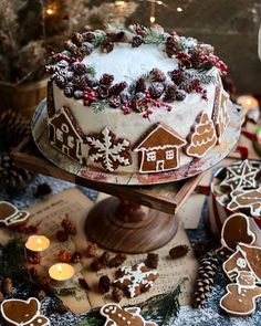 Wonderful Christmas Cake Decorating Ideas To Try Asap Christmas Sweets, Noel Christmas, Christmas Goodies, Christmas Ideas, Chocolate Christmas Cake, Christmas Cake Decorations, Christmas Cakes, Silver Christmas, Christmas Decor