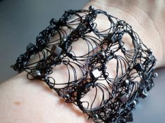 Wire Crochet Black Broomstick Lace Cuff by frostBiteDesigns Broomstick Lace Crochet, Hairpin Lace Crochet, Wire Crochet, Wire Wrapped Jewelry, Wire Jewelry, Jewelry Crafts, Wire Necklace, Crochet Necklace, Crochet Jewellery