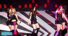 "[120922] Girls' Generation performing ""Run Devil Run"" on SM Town Jakarta. #SNSD #GirlsGeneration #HyoYeon #Yuri #Seohyun #SooYoung"