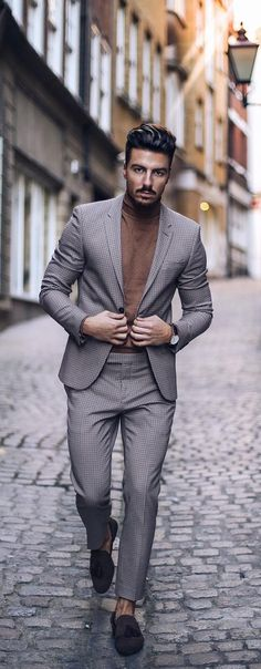 5 Must Have Suits For Men - charcoal grey suits Mens Fashion Blazer, Suit Fashion, Brown Suits, Black Suits, Grey Suit Men, Mens Suits, Charcoal Gray Suit, Mens Photoshoot Poses, Posing Suits