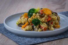 Rezept für ein schnelles vegetarisches Gericht mit viel Gemüse und Couscous.