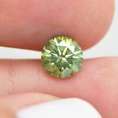 Carat Round Cut Fancy Green Color Loose Enhanced Real Diamond For Ring Marquise Cut Diamond, Pear Shaped Diamond, Diamond Heart, Diamond Cuts, Heart Ring, Diamond Color Scale, Green Diamond, Champagne Diamond, Rocks And Minerals