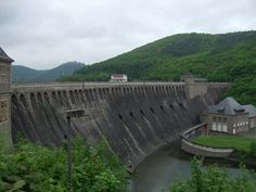 Eder Dam 17 May 2013 airside - Crews had 7 seconds to achieve correct line, height (60') and speed.....
