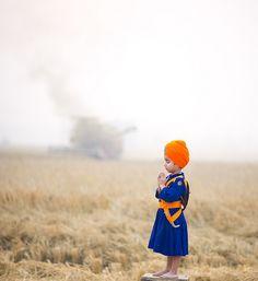 Cute Sikh kid in Pakistan We Are The World, People Of The World, Punjab Culture, Little Prayer, Amazing India, World Religions, Portraits, Beautiful Children, Varanasi