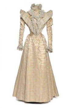 Robe. 1888-1892. Lyon | Centre de documentation des musées - Les Arts Décoratifs