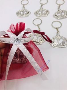 Excited to share this item from my shop: Quinceanera Favors Recuerdos para Quinceanera/burgundy bags silver crown/Quinceanera Party Favors Quinceanera Party Favors, Quinceanera Planning, Quinceanera Decorations, Quinceanera Invitations, Quinceanera Ideas, Sweet 16 Party Favors, Sweet 16 Parties, Quince Decorations, Birthday Party Decorations