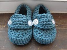 Cute knitting idea for a precious gift.