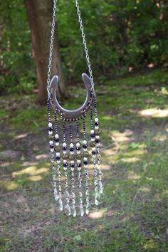 I'm looking forward to sharing this item from my # etsy shop: Purple Horseshoe Sun Catcher Garden Art Yard Decor Horseshoe Projects, Horseshoe Crafts, Horseshoe Art, Horseshoe Ideas, Beaded Horseshoe, Do It Yourself Garten, Carillons Diy, Western Crafts, Country Crafts