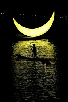 Impression Sanjie Liu at the world's largest natural theater on the Li River as its stage. In Guilin, China, Photography by Cowyeow Sombra Lunar, Cool Photos, Beautiful Pictures, Shoot The Moon, Moon Shadow, A Course In Miracles, Guilin, Moon Pictures, Good Night Moon