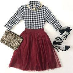 Burgundy tulle skirt petite gingham shirt Zara sequin clutch navy bow sandals faux pearl necklace holiday outfit - click the photo for outfit details! Skirt Outfits, Fall Outfits, Cute Outfits, Party Outfits, Edgy Outfits, Casual Holiday Outfits, Vegas Outfits, Holiday Party Outfit, Rock Outfits