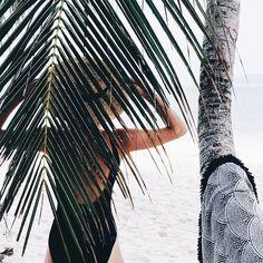 Summer | Bikini | Palm trees | More on Fashionchick.nl