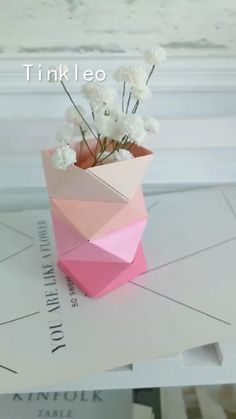 Origami Flowers 410531322287322994 - DIY Irregular Paper Flower Bottle Source by Diy Crafts Hacks, Diy Crafts For Gifts, Diy Arts And Crafts, Creative Crafts, Crafts For Kids, Diys, Creative Art, Instruções Origami, Paper Crafts Origami