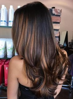 70 flattering balayage hair color ideas for 2018 - best .- 70 flattering balayage hair color ideas for 2018 color - Black Hair With Highlights, Hair Color Highlights, Hair Color Balayage, Balayage Highlights, Hair Colour, Chunky Highlights, Brunette Highlights, Lowlights For Black Hair, Dark Brown Hair With Caramel Highlights