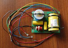 BW Bowers Wilkins Big Vent Reflex Short Horn d'Appolito Loudspeaker System Construction and Plans Speaker Kits, Speaker Plans, Hifi Speakers, Hifi Audio, Homemade Speakers, Speaker Design, Electronic Art, Loudspeaker, Hobby