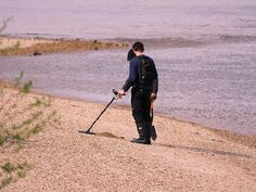 Treasure hunters will at times need the best waterproof metal detector when searching for treasures in water. This article will highlight the best underwater metal detector that you need to buy should you need one. Metal Detectors For Kids, Underwater Metal Detector, Waterproof Metal Detector, Mysterious Universe, Story Of The World, Metal Detecting, Bronze Age, Ancient Romans, How To Level Ground