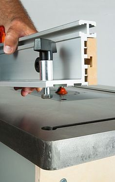 U turn router lift with a 12332 x 9132 x 14 insert plate choosing a router table by reviewing bench dog and kreg offerings greentooth Image collections